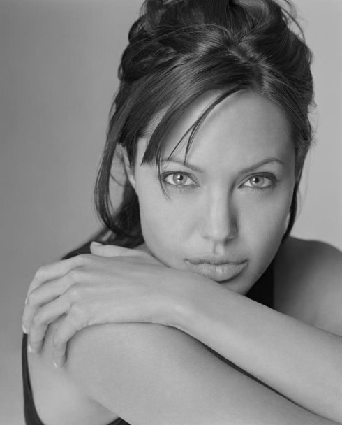 angelina_jolie_gray
